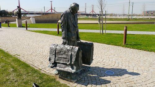 statue bronze statue street statue