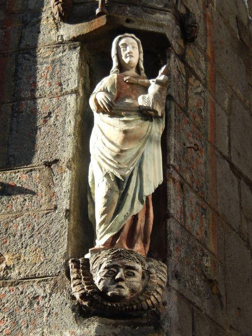 statue church sculptor