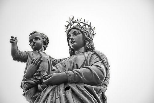 statue virgin puy in velay