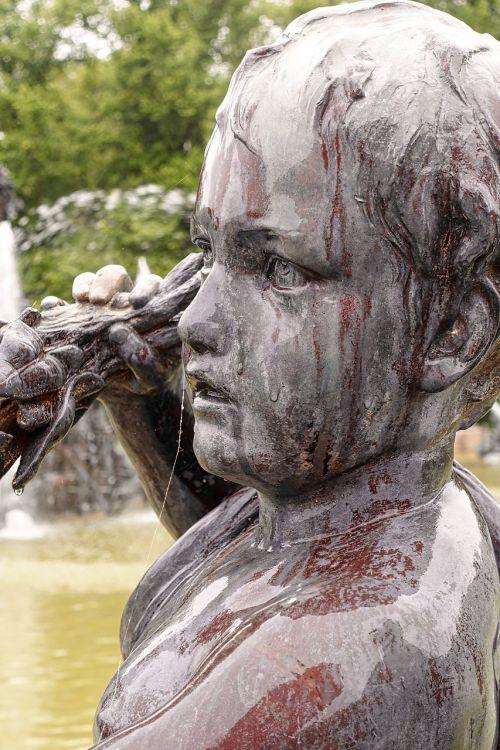 statue cherub sculpture