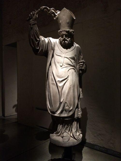 statue duomo milan