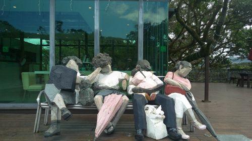 statue zhu ming passers