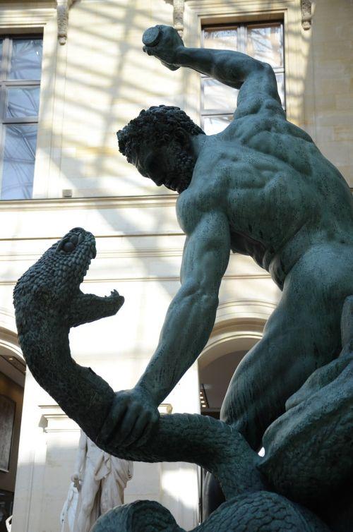 statue louvre kill the snake