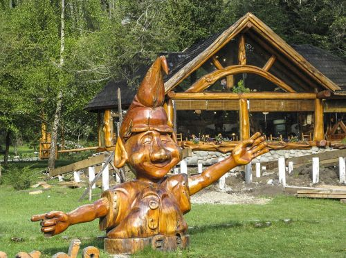 statue wood art