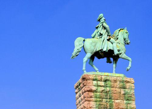 statue equestrian statue monument