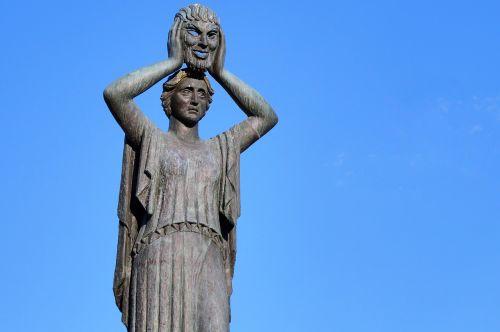 statue monument park