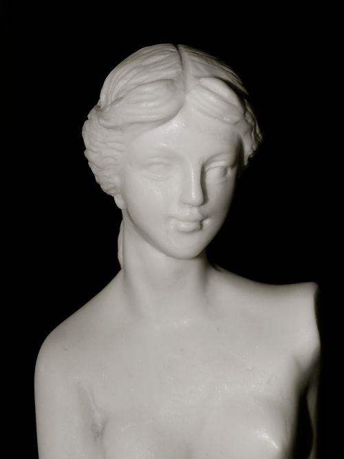 statue marble carrara