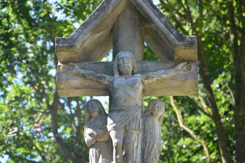 statue monuments religious