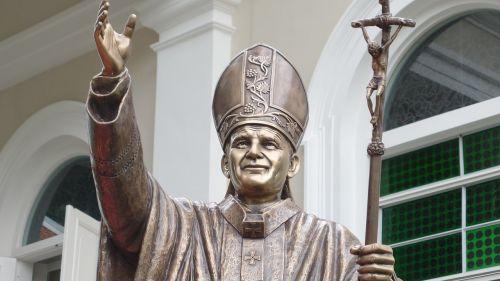 statue pope hand rising