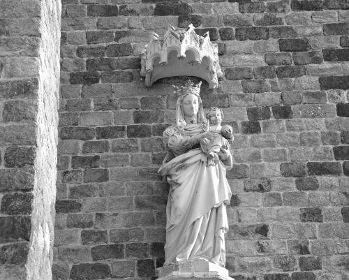 statue holy virgin mary jesus