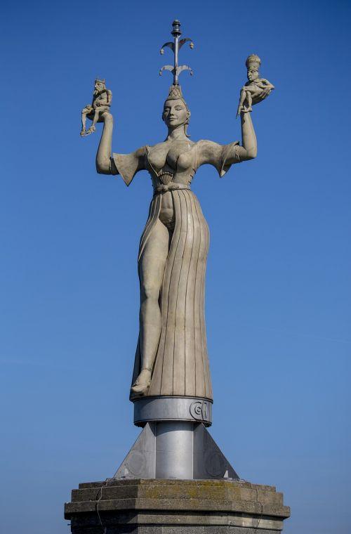 statue constance imperia