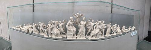 statue greek sculpture