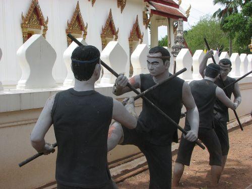 statue bang kung camp fighting
