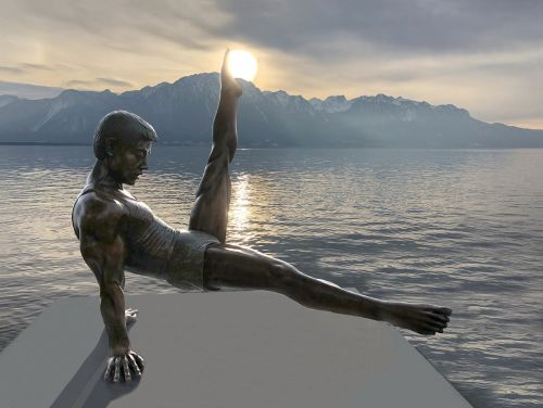 statue gymnast lake