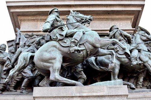 statue  sculpture  war