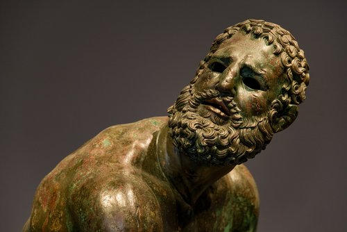 statue  bronze  man