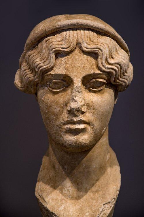statue  sculpture  stone