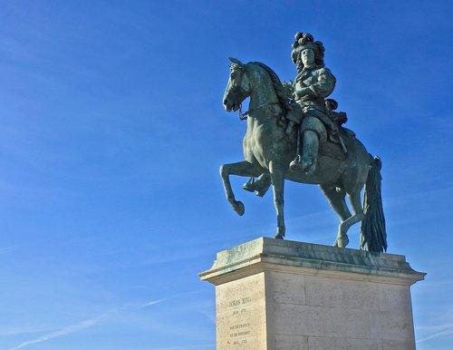 statue  versaille  louis xiv