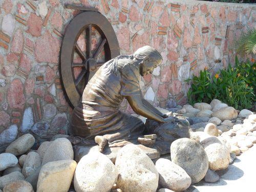 statue street statues street statue