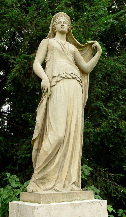 statue  rocky  juno