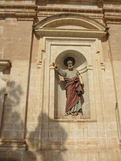 statue  church  malta