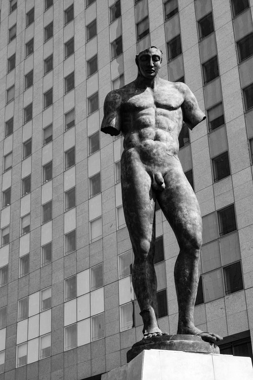 statue  man  black and white