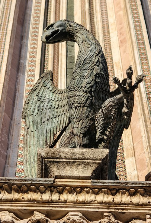statue  aquila  bestiary