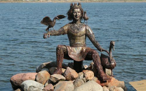 statue figure bronze