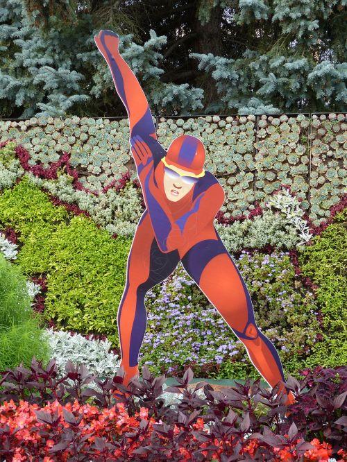 statue skating athletes