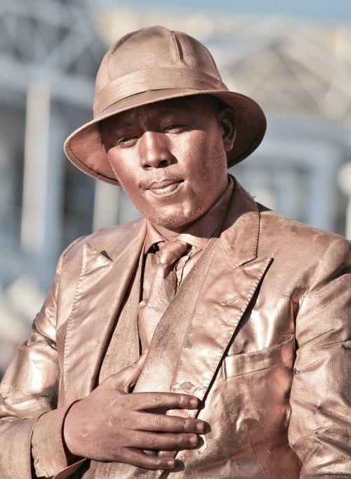 statue artists street artists