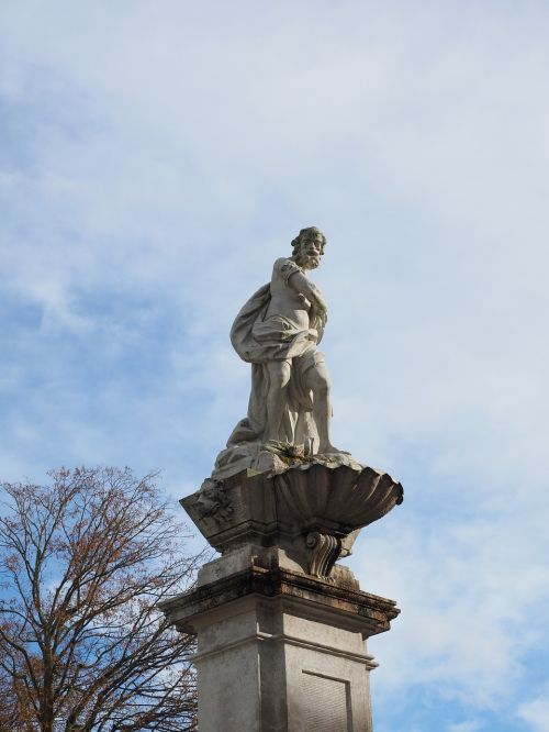 statue solothurn figure