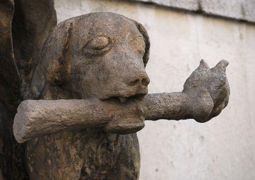 statue czech budejovice dog