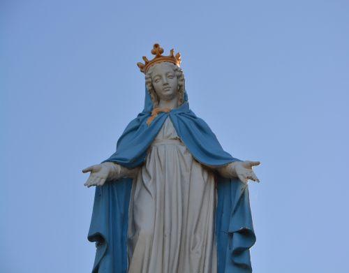 statue holy virgin mary cherrueix brittany ille et vilaine
