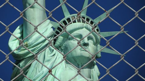 statue of liberty  refugee  crisis
