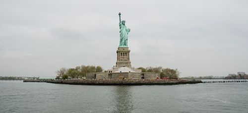 statue of liberty landmark island