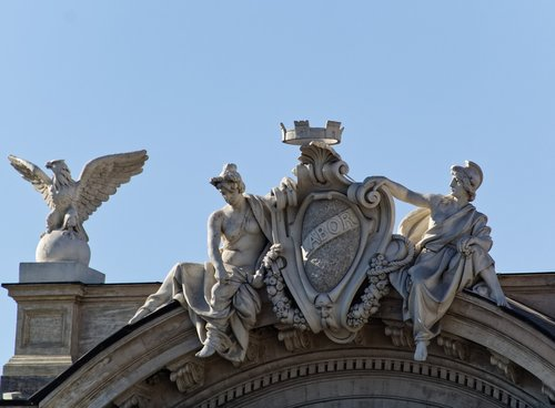 statues  monument  city