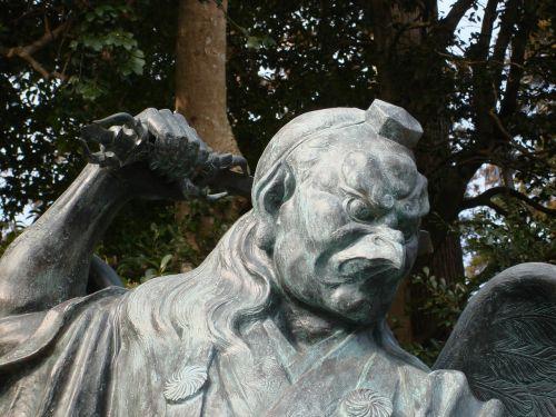 statues tengu japan