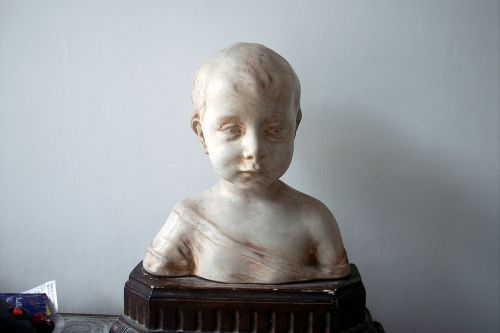 statuette child terracotta