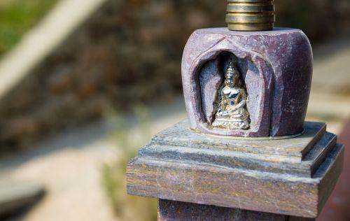 statuette buddha spiritual