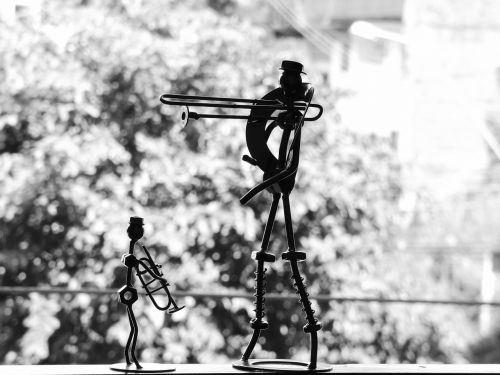 statuette decorations musicians