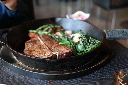 steak t-bone steak spinach