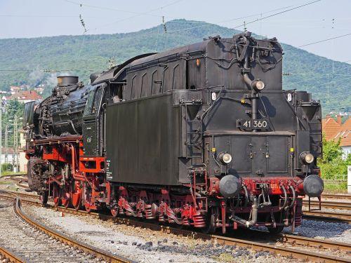 steam locomotive ölgefeuert oil tender
