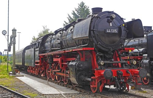 steam locomotive jumbo heavy goods train locomotive