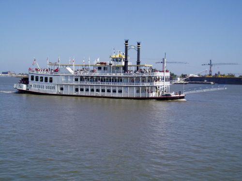 steamboat river paddlewheeler
