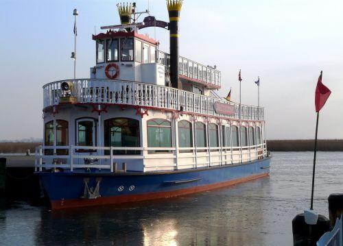 steamer ship paddle steamer