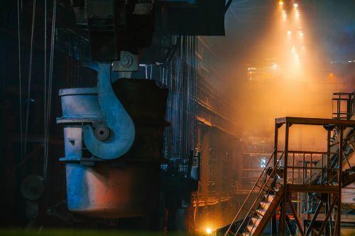 steel manufacturing molten
