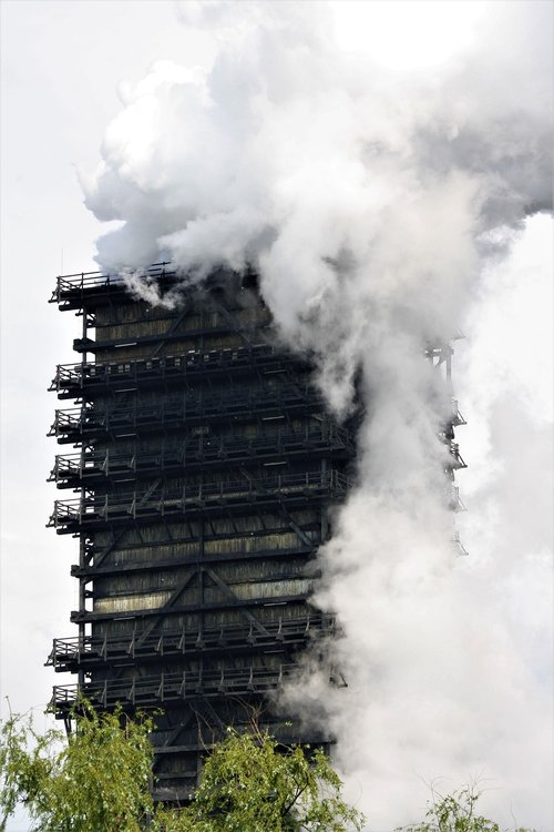 steel  carbon  heavy industry