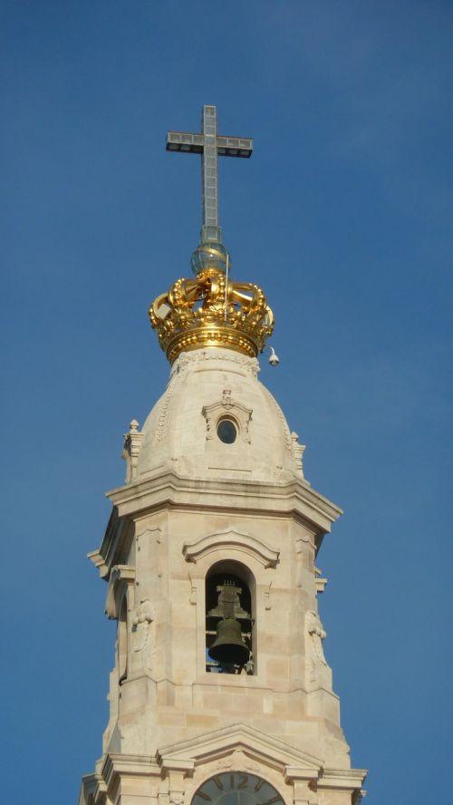steeple cross crown