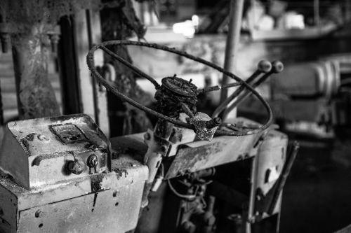 steering wheel old rusty
