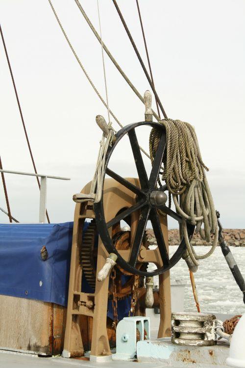 steering wheel helm ship